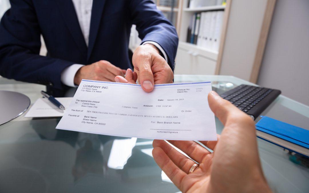 Comment encaisser un chèque sur une banque en ligne ?